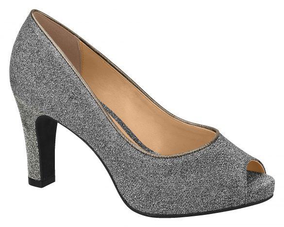Vizzano-1840-102-15340-8818-585x468 Vizzano apresenta a macrotendência dos detalhes nos calçados para o inverno 2018
