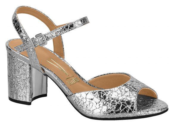 Vizzano-6382-101-15583-41-585x423 Vizzano apresenta a macrotendência dos detalhes nos calçados para o inverno 2018